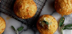 Slani muffini z bučo in žajbljem