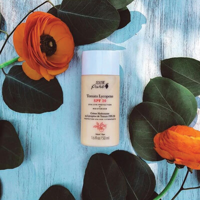 Naravna krema za sončenje z zaščitnim faktorjem SPF20. Naravna krema za obraz z zaščitnim faktorjem za sončenje. OrCa naravna kozmetika.