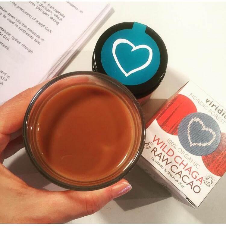 Ekološki napitek divjerasla čaga in presni kakav, Viridian Nutrition (30g). Naravni prehranski dodatki. Nadvse okusna in z nutrienti bogata mešanica.